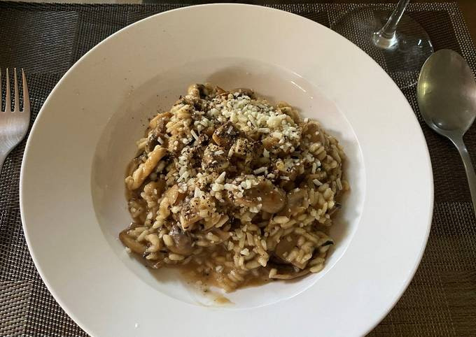 Mushroom Risotto (with Optional Truffle Oil)