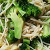 Broccoli with enoki mushroom and egg tofu