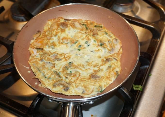 Cremini mushrooms and leeks frittatas