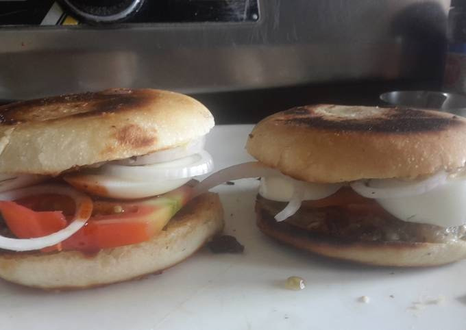 Bachelor Sunday Burger