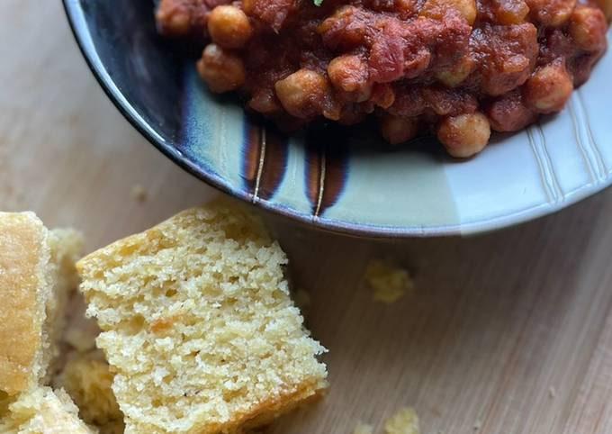 Vegan Chili and Sweet Cornbread !