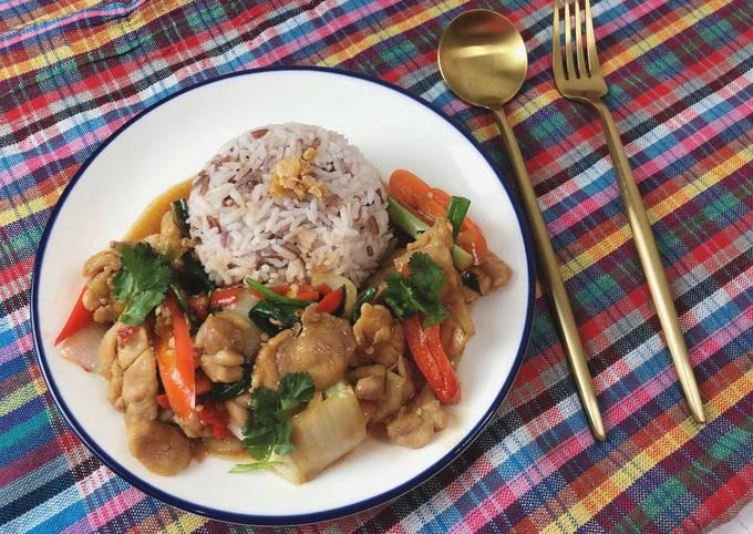 🧑🏽🍳🧑🏼🍳Chicken Oyster Sauce Recipe • Thai Style • Gai Phad Nam Mon Hoi  ThaiChef Food