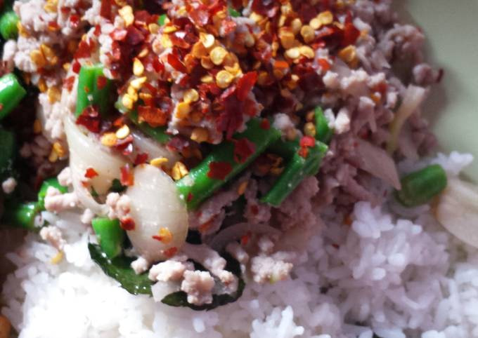 Mince pork with chilli and mint