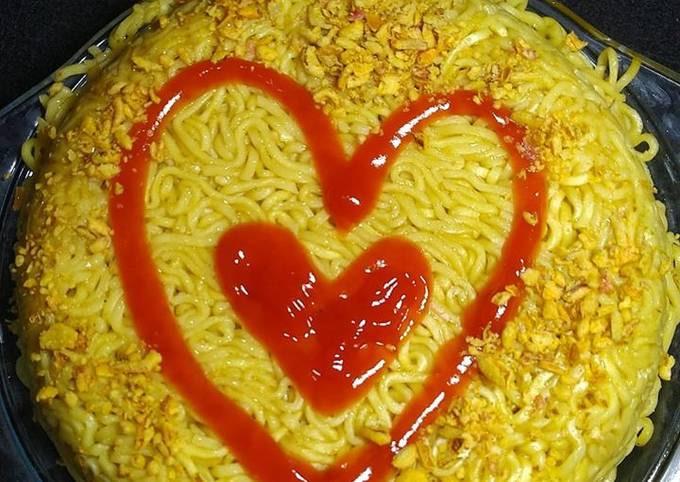 "Instant Noodle ""Cake"""