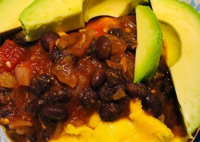 Quick Black Bean Breakfast Bowl
