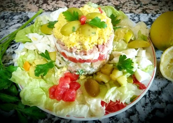 Egg mimosa salad with vegetables, tuna👍😝😝