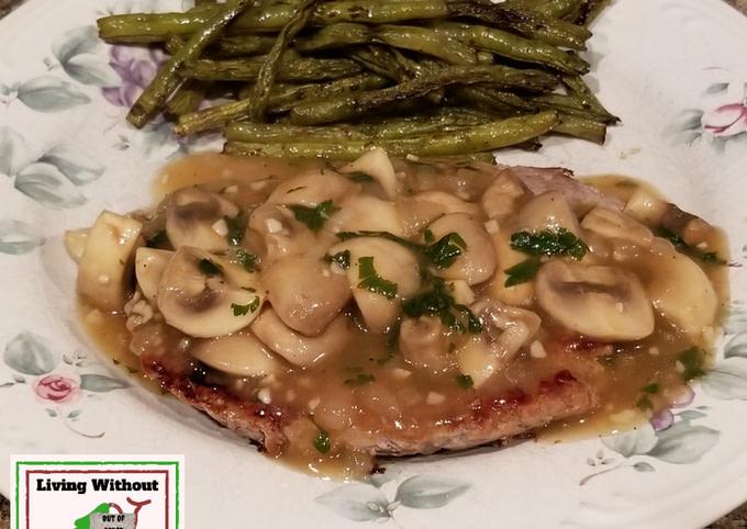 Mushroom Salisbury Steak w/ Green Beans