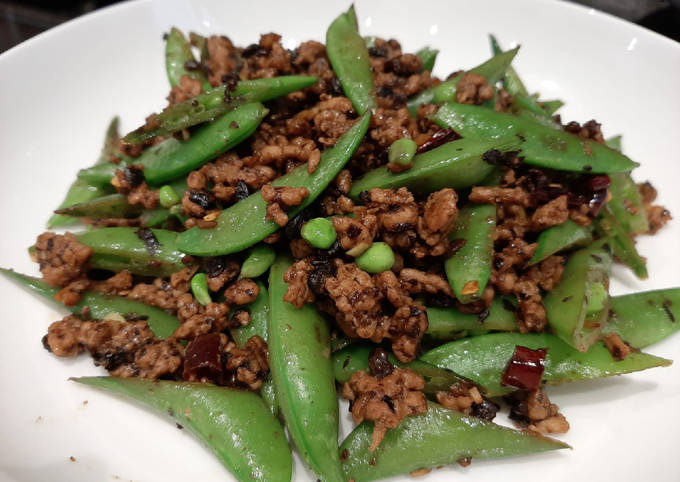 Sugar Snaps Stir Fried with Mince and Fermented Black Beans