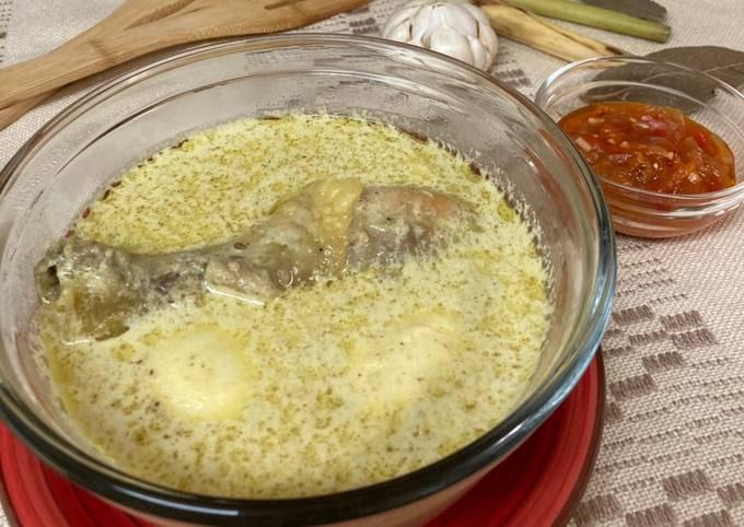 Opor Ayam/Chicken braised in coconut milk
