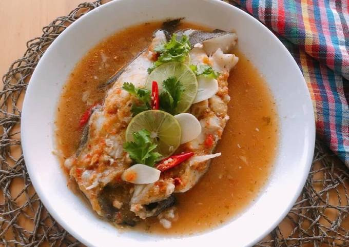 🧑🏽🍳🧑🏼🍳Steamed Fish with Lime • Pla Neung Manao   ThaiChef Food