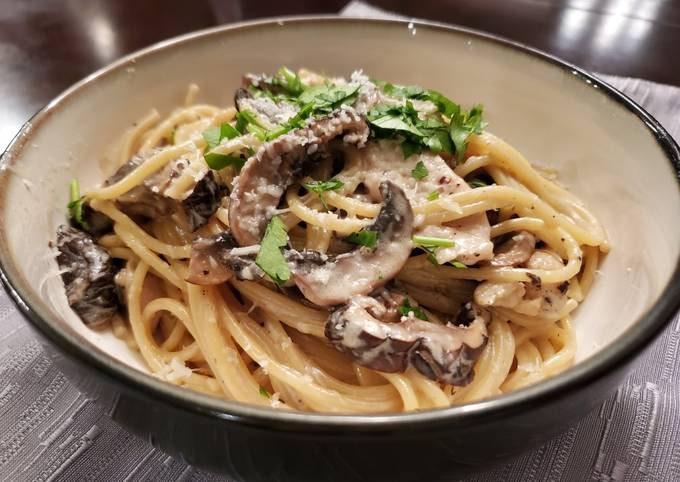 Chicken and Mushroom Cream Pasta