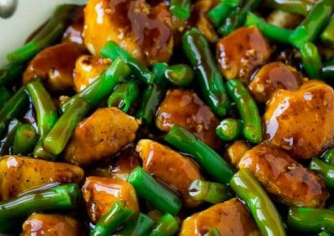 Stirfried chicken with greenbeans