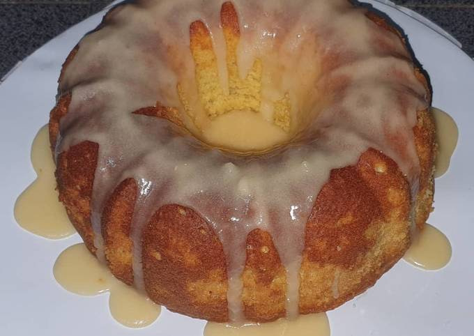 Lemon Bundt Cake with Lemon Icing
