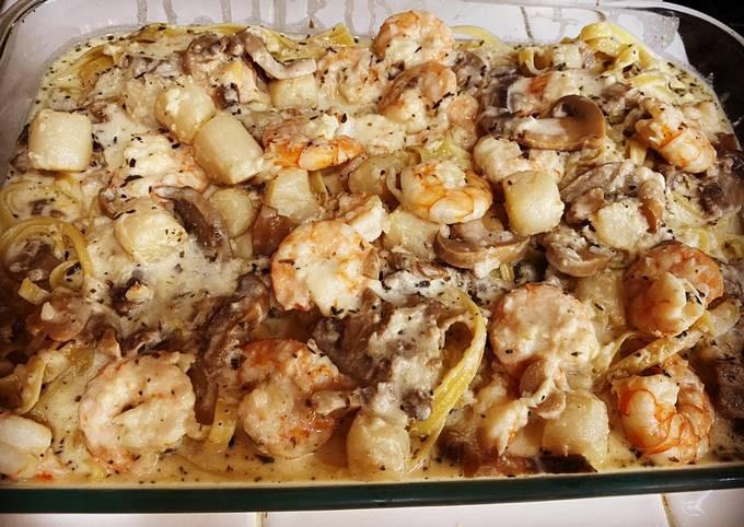 Shrimp-Scallops & Mushroom Fettuccine