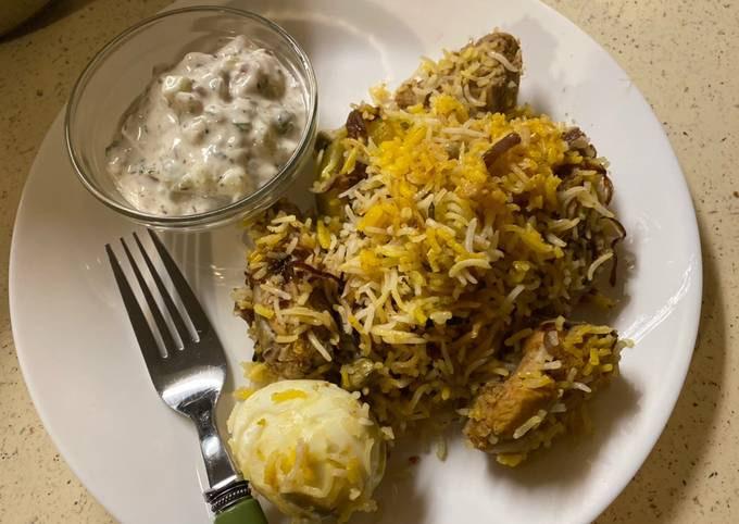 Casserole chicken biryani