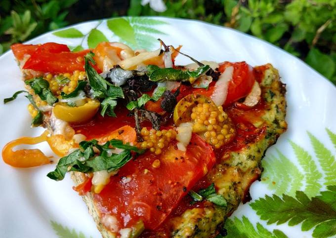 Pizza (chicken pizza with spinach)